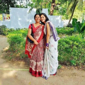 Simran-Choudhary-with-her-mother